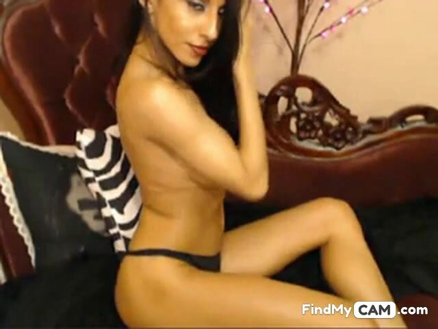 Hottest Cam Girl Idelsy Plays with her Pussy 2