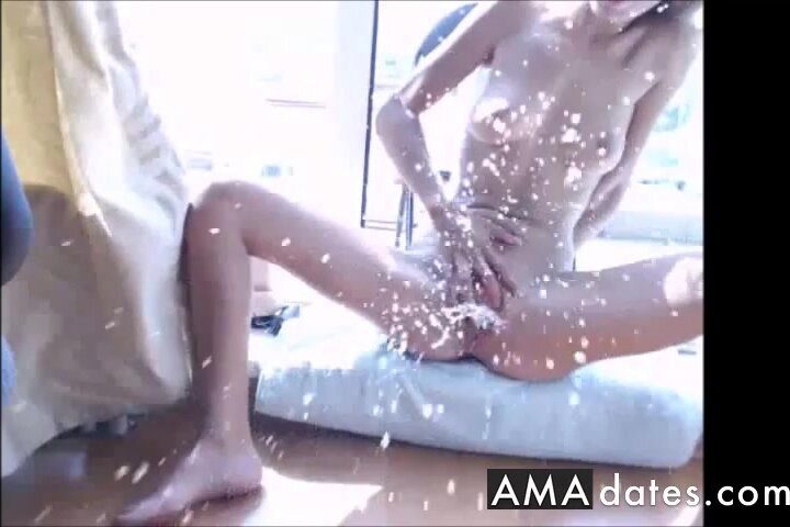 Slow Mo Squirt